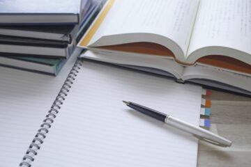 中高年におすすめの資格5選!再就職や起業の準備を始めよう