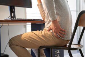 在宅ワーク リモートワーク テレワーク 腰痛